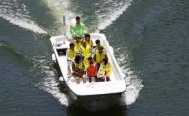 オープンボート・遊覧船