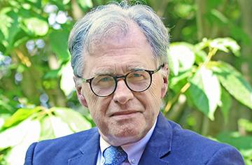 スイスの名門ボーディングスクール、ル・ロゼ学院の校長 マイケル・ロブ・グレイ氏がアドバイザーに就任